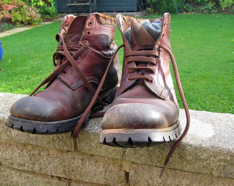 Walking boots 004