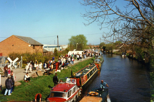 Glorious day for canal festival