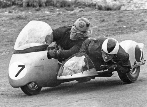 High-speed thrills in a sidecar